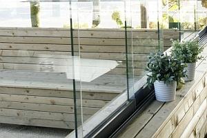 Glazen Afscheiding Terras : Glazen wanden en windschermen voor terras en balkon